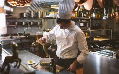 Quels sont les équipements à intégrer obligatoirement dans sa cuisine professionnelle ?